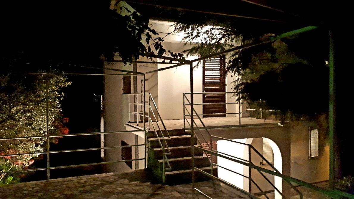 House of Apartments Vladimira *** Dramalj